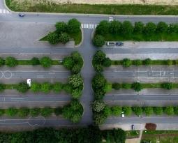 Pavimentos permeáveis em estacionamentos para controle de inundações
