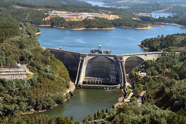 Resultado de imagem para barragem